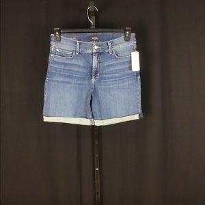 NWT NYDJ Avery rolled stretch denim shorts sz 10